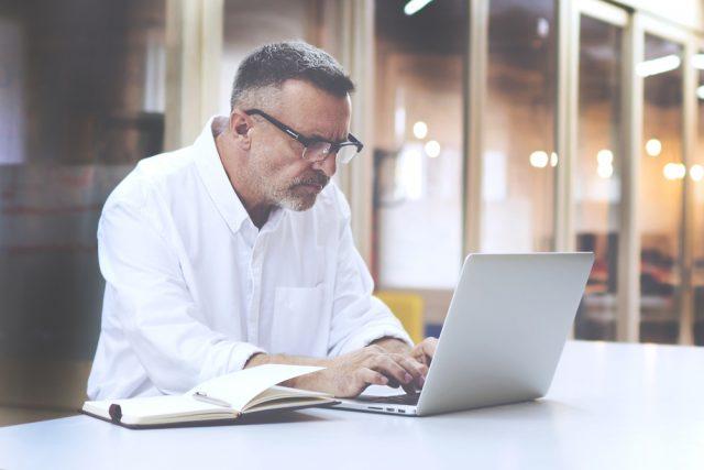 60歳以降も働くと年金にどのような影響がある?