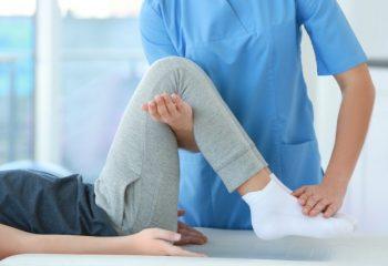 病気やけがをしたときの「傷病手当金」。リハビリをしながら復帰する場合はどうなる?