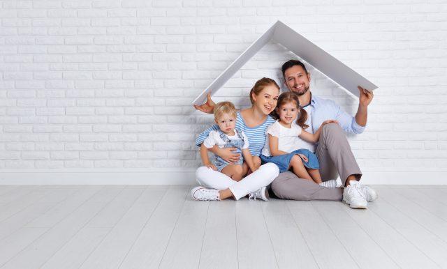 住宅ローン審査の年収基準とは? 審査に通るポイントなど解説!