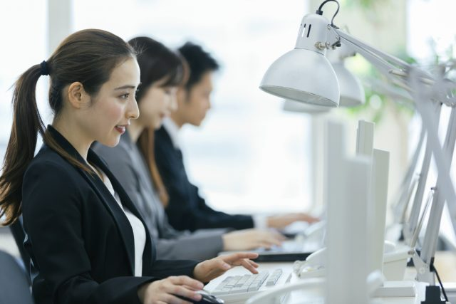契約社員や派遣社員で働き続ける場合、年金はどれくらい受給できる?