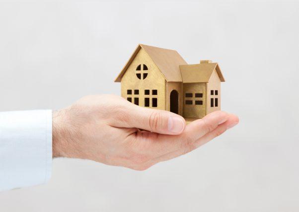 健康診断の住宅ローンへの影響とは? 団体信用生命保険についても解説