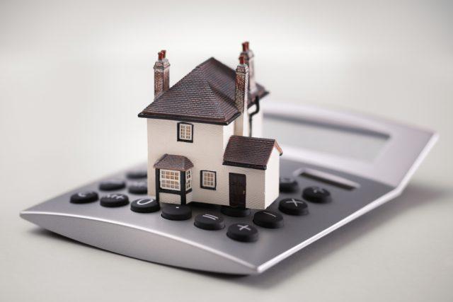 住宅ローンの繰り上げ返済手数料を比較! 無料の銀行はある?
