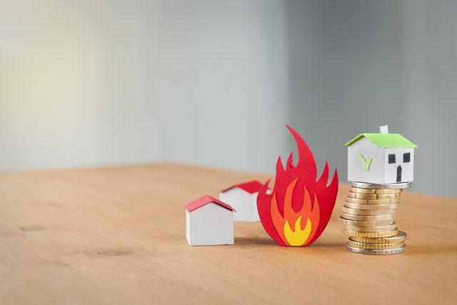 住宅ローンを組むなら火災保険加入が必要? 保険料の相場と火災保険の選び方も解説