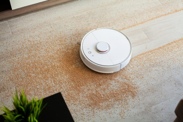おうち時間増加で床汚れも増加? ロボット掃除機の家電内における購入優先順位は?