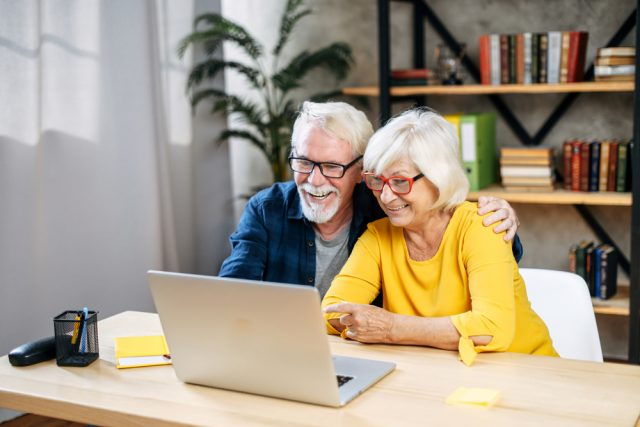 「同い年夫婦」と「年の差夫婦」 年金ではどのような違いがある?