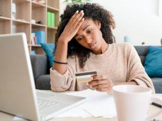クレジットカードの引き落としが残高不足でできなかった場合どうする? 対策方法を解説