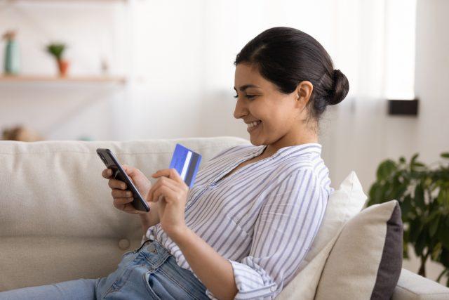 クレジットカードのキャッシングとは? 金利や利用方法、返済方法を紹介