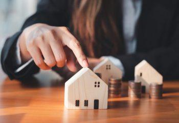 家計に大ダメージ!? 固定資産税とは? 支払い時期や負担軽減の方法を解説