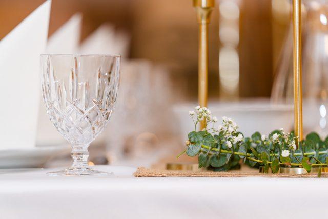 結婚式は小規模・二次会なしへ 結婚式平均予算は90万円近くも減少
