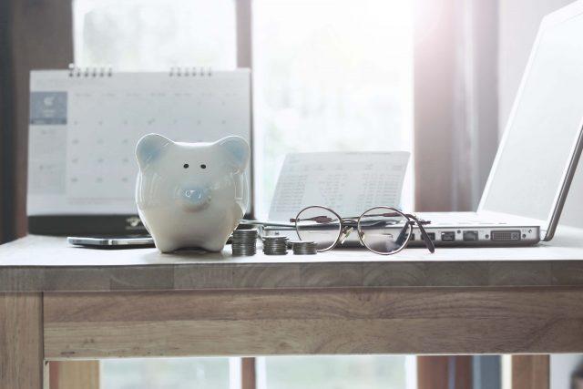 20代の貯金。平均貯蓄額はいくら? 何を目標に貯めている?
