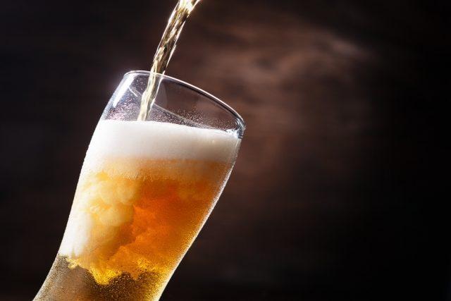 週に1回以上ビール飲料を飲む人はどれくらいいる? 自宅で飲む頻度は38%増