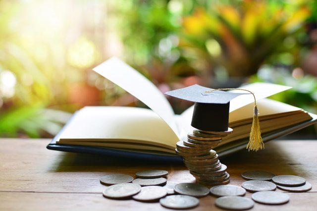 「将来、奨学金を借りよう」と思うなら見落としてはいけないこと