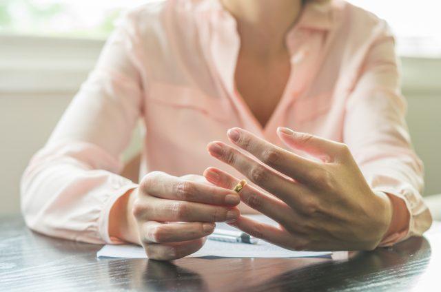 離婚を考えたら始めたいお金の準備。どんな費用を準備するべき?