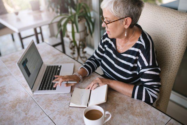 65歳からの在職老齢年金を60歳に繰り上げたら、年金はどれだけ減る?