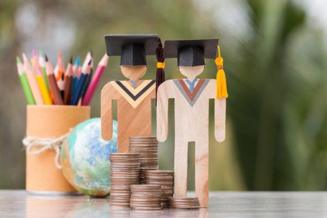 大学に行かせてあげたいけど学費が払えない……。そんなときに知っておきたい制度とは?