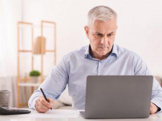 70歳まで定年引き上げ? 改正高年齢者雇用安定法で何が変わる?