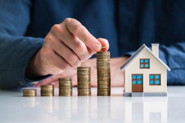 住宅ローンと不動産投資ローンの違いとは? どちらを先に組むべき?