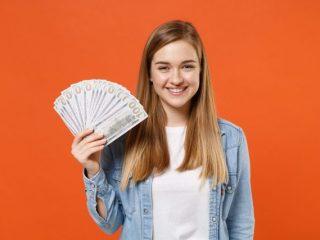 既婚女性が毎月自由に使えるお金はどれくらい? 何に使っている?