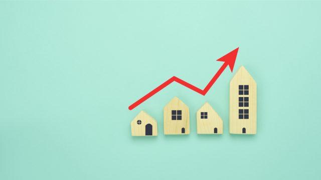 住宅ローンで変動金利を選択するリスクとは? 向いている人・向いていない人の特徴も紹介