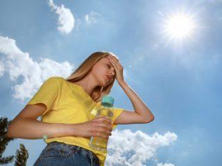 梅雨から夏にかけて増える熱中症。健康保険は適用できる? できない?