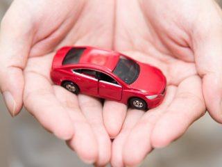 新型コロナウイルスで車の利用者増。でもマイカーとカーシェアリングどっちがお得なの?