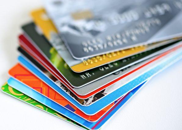 クレジットカードには種類がある? ブランドとランク、発行会社の違いとは?
