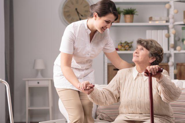介護施設をどう選ぶか 費用の抑制が最大のポイント