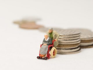 令和3年8月より高額介護サービス費と介護保険施設の負担限度額が見直しへ