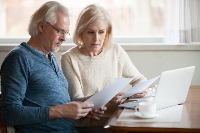 「公的年金等の源泉徴収票」はどんな手続きに使う書類? いつ届く?