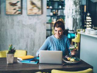 フリーランスや自営業者は、会社員と比べてどれくらい年金が少なくなる? 対処法は?