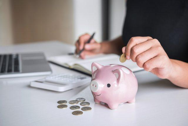 お金をどの方法で増やす? 預貯金・投資・保険の使い分けはどうする?