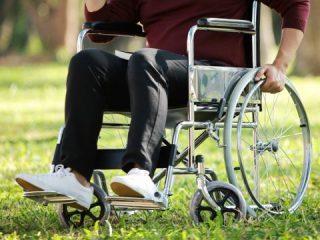 障害年金はどのような病気・けがで受給できる? 受給するデメリットはある?