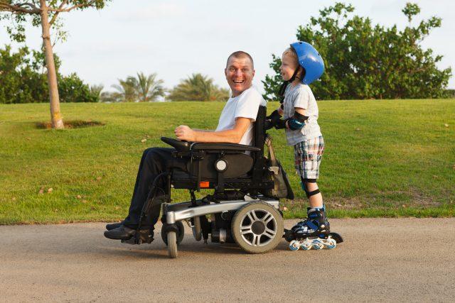 障害年金はどんなときに受けられる? 現役世代が受け取るときの注意点