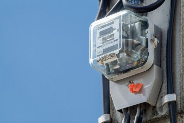 電気プランの見直しの電話、検針票の情報を聞かれたけれど教えて大丈夫?
