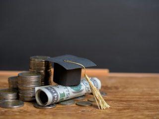 大学生の経済的支援。国や学校からの支援策にはどんなものがある?
