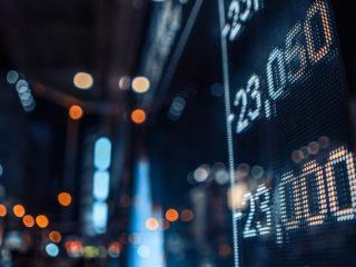 米国株価に連動するインデックスファンドを購入したいけど、「ダウ平均株価」、「ナスダック指数」、「S&P500」、それぞれどう違うの?