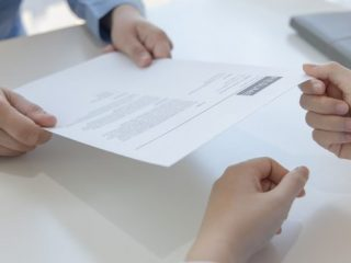 はじめて老齢年金をもらうときの手続きって? 事前の確認事項や必要書類は?