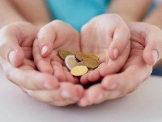 低所得の子育て世帯への給付金、どんな家庭が対象になる?