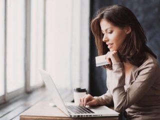 クレジットカードの更新はどうする? 有効期限更新の方法を解説