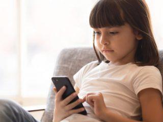 急増する子どものオンライン課金トラブル…相談件数は4年で倍以上に