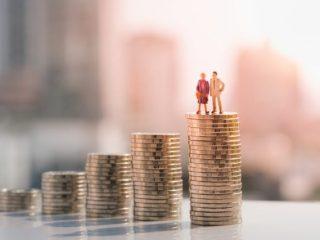年収がピークといわれる50代。みんなは老後資金をいくら貯めている?