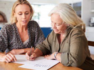 手軽に遺言書を作成するなら、「自筆証書遺言書」の保管制度がおすすめ