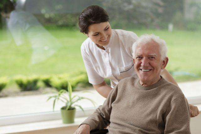 地域の高齢者やそのご家族をサポートする、地域包括支援センターについて