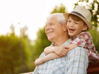孫に教育資金の一括贈与をした場合、いくらまでなら非課税になる?